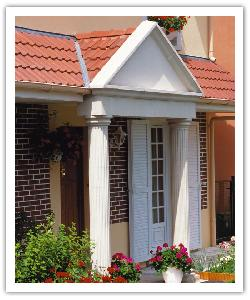 Fluted columns under portico - off-white - in reconstructed stone