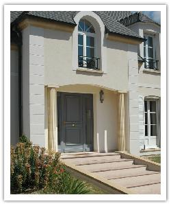 Fluted columns - bathstone - in reconstructed stone