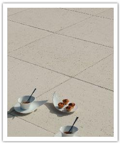 Aragone patio slabs - champagne - in reconstructed stone