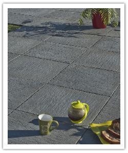 Dalle de terrasse aspect schiste Auray - gris anthracite - en pierre reconstituée 2
