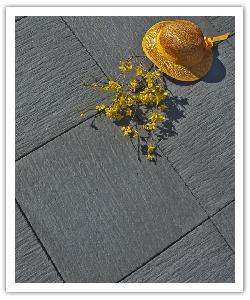 Auray paving - anthracite grey - in reconstructed stone
