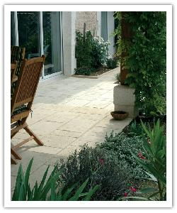 Opus Richelieu paving - champagne - in reconstructed stone