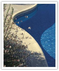 Aquitaine Paving and pool copings - buff - in recontructed stone