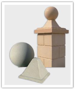 Esfera y Piràmide - beige y blanco - in piedra artificial