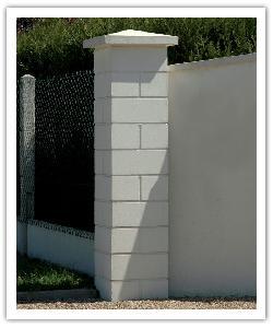 Pilier de clôture Lisse PR38 - Blanc cassé - en pierre reconstituée