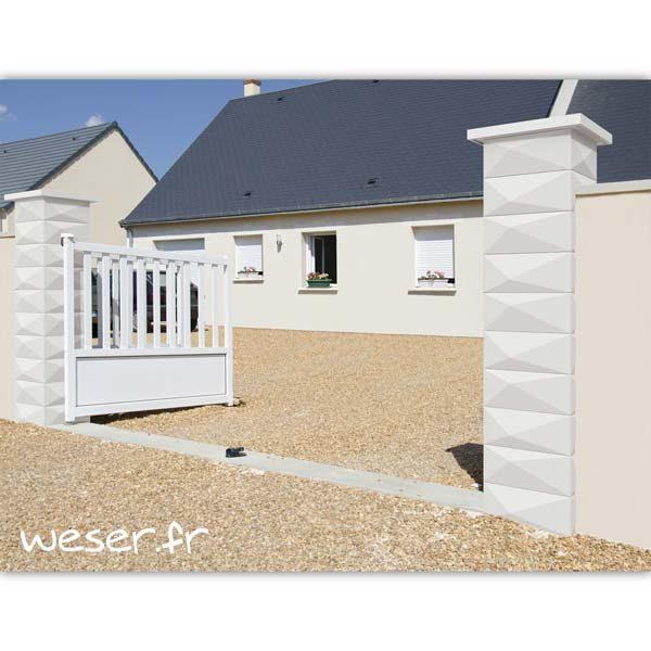 Pilier de portail ou de clôture Trigone WESER - largeur 39 cm - Blanc cassé