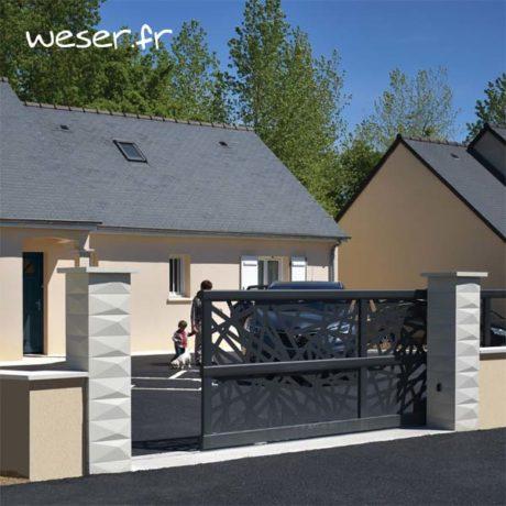 Pilier de portail ou de clôture Trigone WESER - largeur 39 cm et chaperon Plat OPTIPOSE® 1 m- Blanc cassé