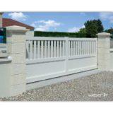 Pilier de clôture et de portail Cheverny Weser - élément de poteau largeur 38 cm, chapiteau largeur 52 et chapeau largeur 40 - Crème
