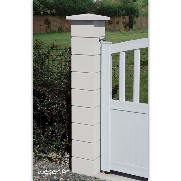 Pilier de clôture ou de portail Lisse et chapeau pointe de diamant Weser - Largeur 25 cm - Blanc cassé