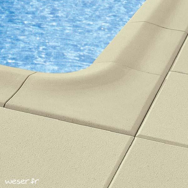 Dalle et margelle de piscine Déco Weser - Aspect lisse - en pierre reconstituée - Coloris Beige Clair