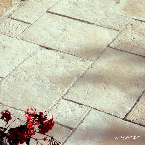Dallage en opus roman Richelieu Weser - Aspect vieille pierre - en pierre reconstituée - Coloris Crème