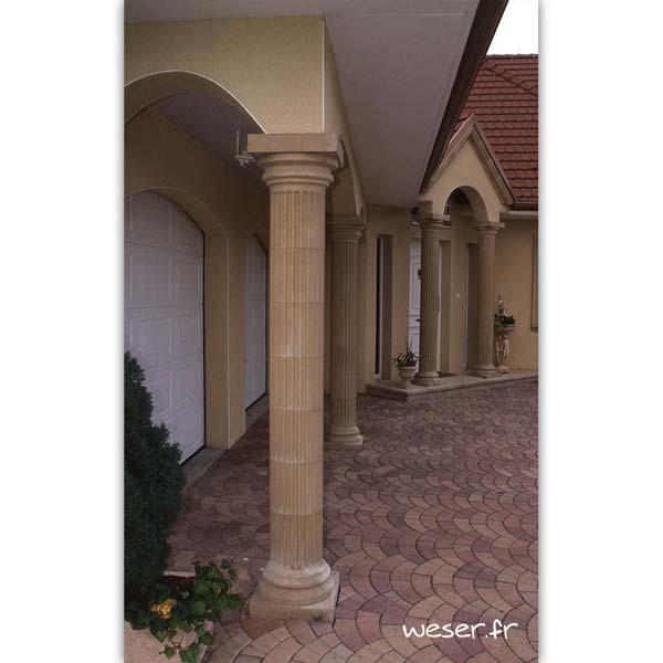 Colonne Cannelée diamètre 35 cm et corniche Doucine pour façade Weser - en pierre reconstituée compactée - Coloris Ton pierre
