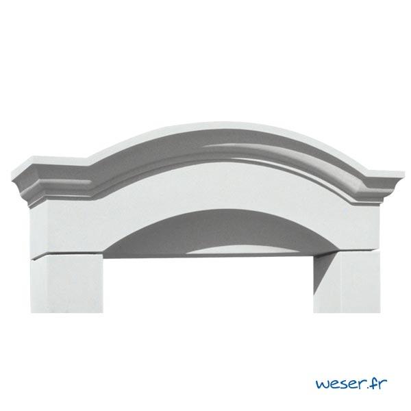 Lucarne de fenêtre à Chapeau de Gendarme sans faux joint Weser - en pierre reconstituée compactée - Coloris Blanc Cassé