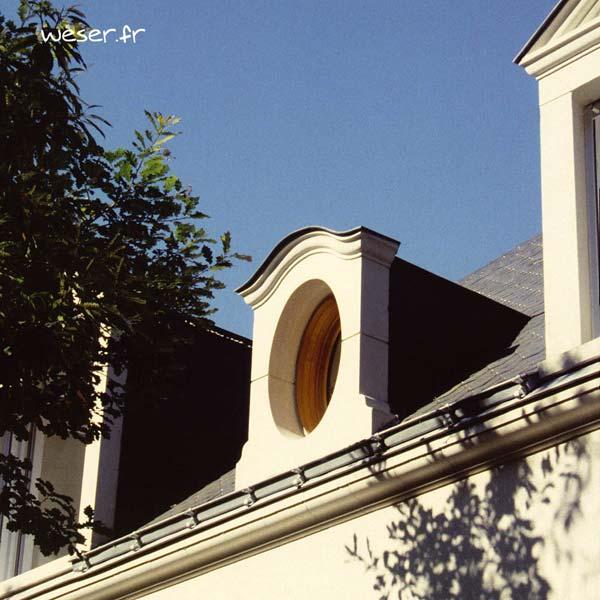 Lucarne Ovale et corniche Doucine Weser - en pierre reconstituée compactée - Coloris Ton pierre