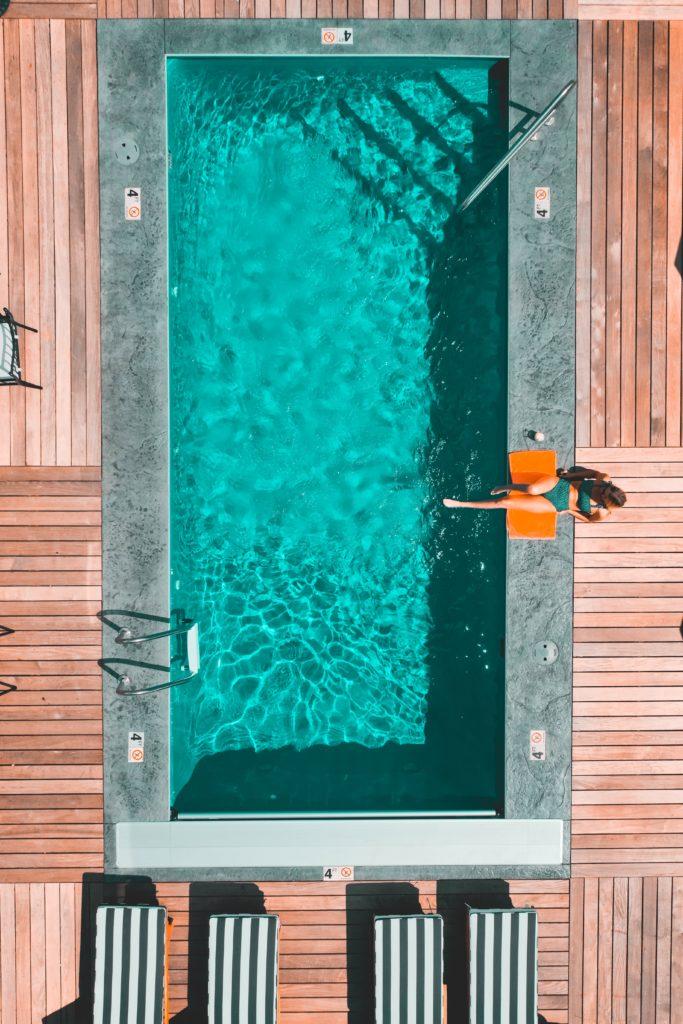 Terrasse piscine en bois