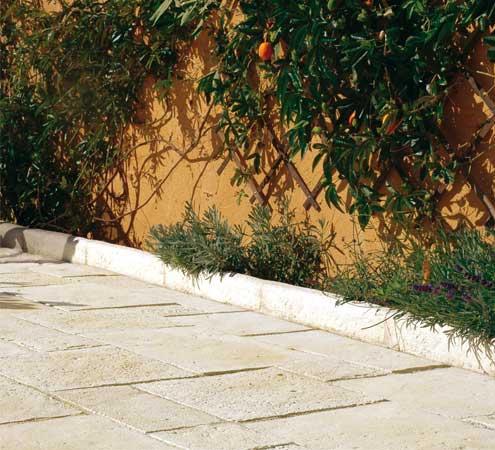 Mes bordures de jardin et ma terrasse après la rénovation